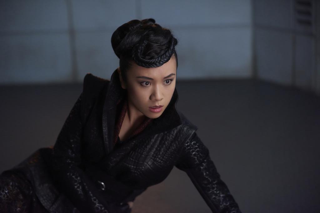 Por lo que podemos reveler sobre la Temporada 2, esta será una nueva adversaria para Cuatro. Una asesina enviada desde su planeta de origen. ¿Un rival que busca apoderarse del trono? ¿O alguien totalmente nuevo?